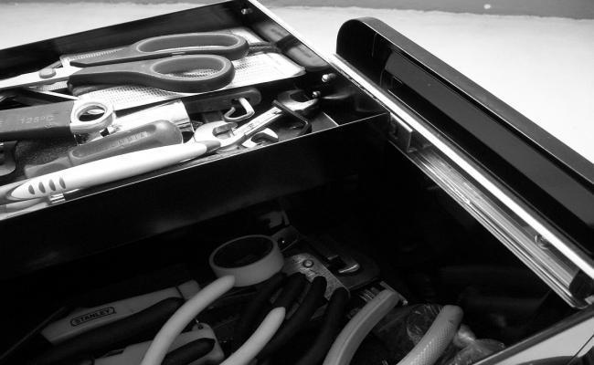 caja de herramientas totalmente equipada